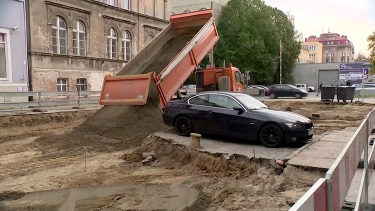 Car Left Behind On Street During Construction Left Crew Making This Unusual Choice