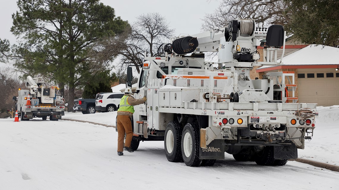 VERIFY: Texas winter storm power outages, food safety and Farmers' Almanac claims