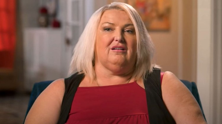 '90 Day Fiancé's Angela Shocks Fans With Glam Selfies Following 100-Pound Weight Loss