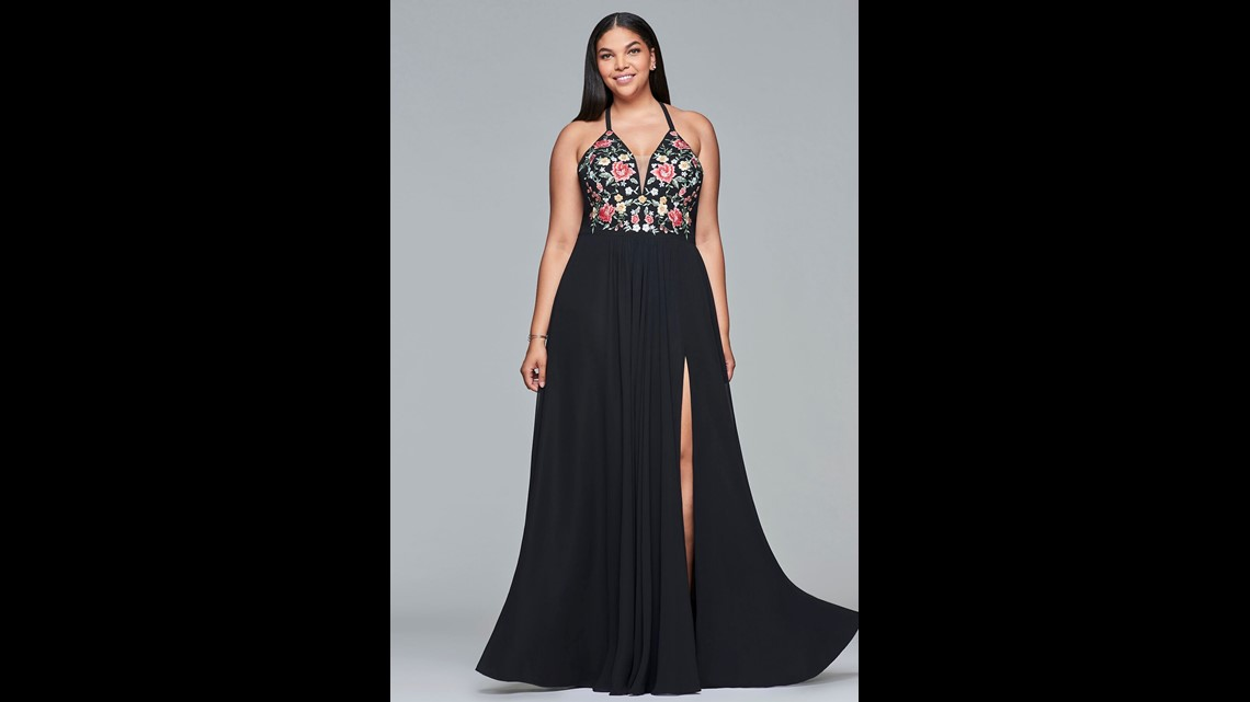 66cdd667b4 This stunning gown features a floral