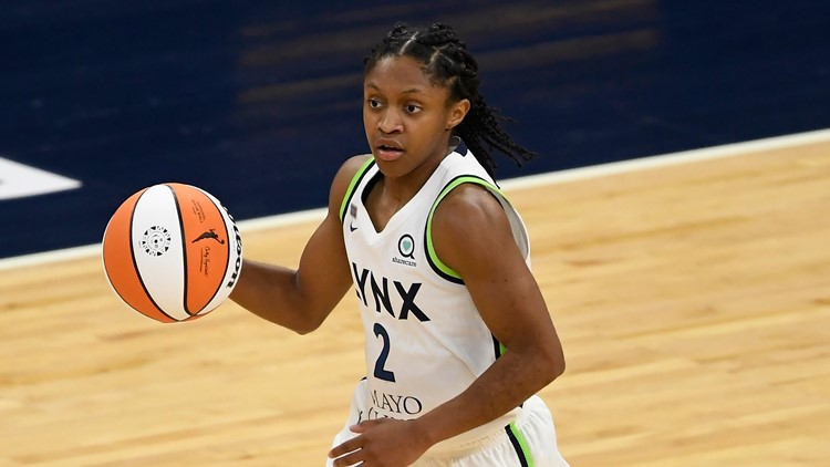 Loyd, Bird combine for 44 points, Storm rally by Lynx 90-78