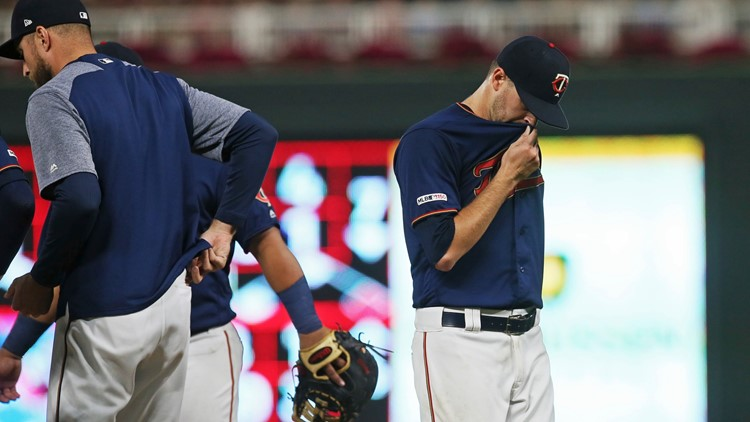 Twins lose 3-1 to White Sox, division lead trimmed to 4