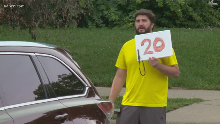 Minnesota State Fair neighbors cash in with lawn parking