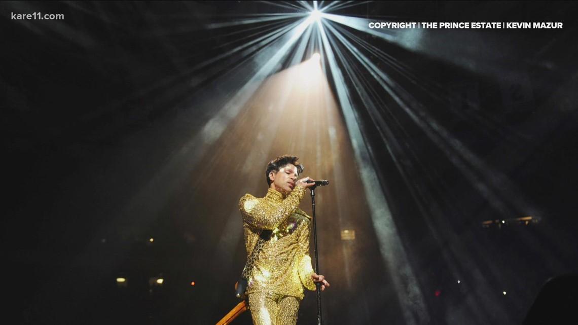 Target Field celebrates Prince