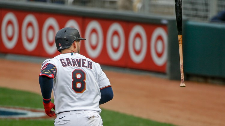 Homers, happy: Twins welcome fans back with win over Mariners