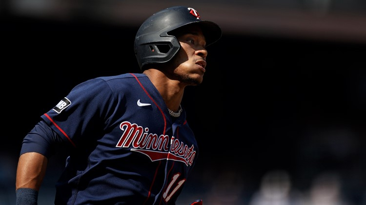Judge, Sánchez rally Yanks from 5-run deficit over Twins 6-5