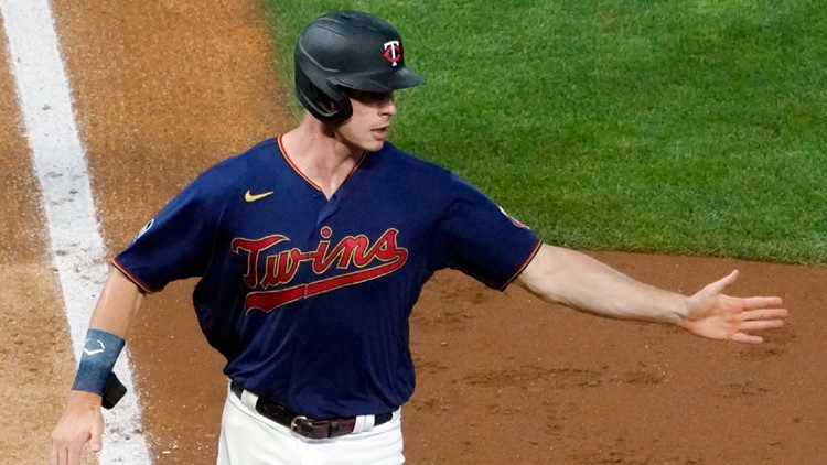 Replay at 2nd base in 7th inning helps Twins down Tigers