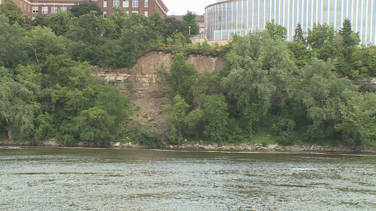 Mudslide halts morning service on Metro Transit Green Line