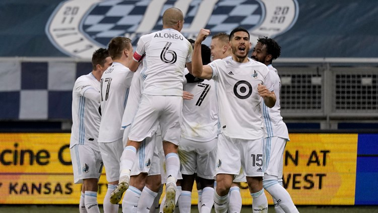 Minnesota beats Sporting KC 3-0, advances to Western final