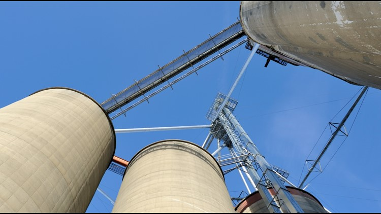 Grain elevator stock_1507297811343.jpg