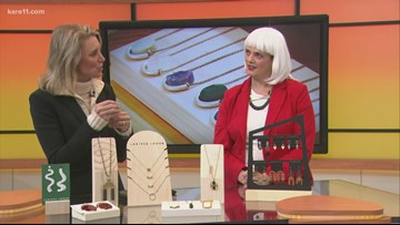 'Drag the Halls' for Small Business Saturday