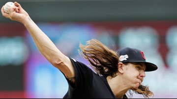 Clevinger gets 10th straight win, Indians beat Twins 5-2