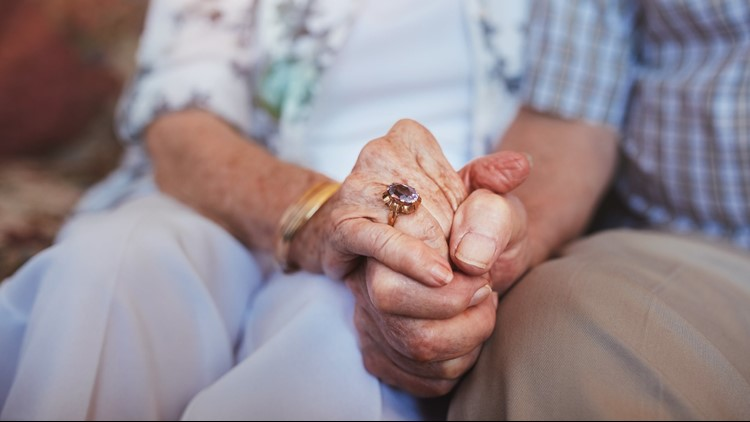 More volunteers needed to spend the holidays with seniors