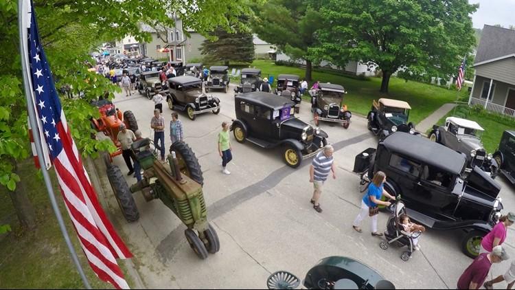 Whalan, Minnesota's Stand Still Parade