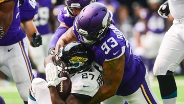 Vikings free agents waste no time making deals