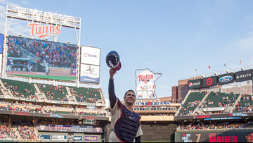 Fans come out for Mauer
