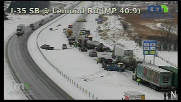 20 cars, 6 semis involved in NB I-35 crash
