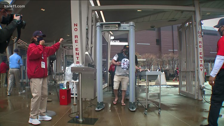 Fans return to Target Field for first time since 2019
