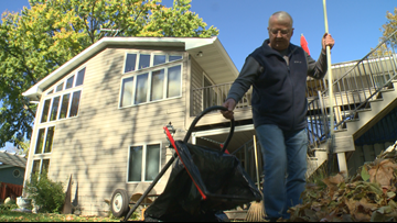 Centerville man invents 'GoBagIt' to speed up yard work