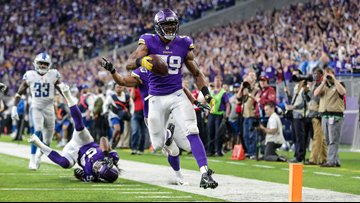 Vikings hang 10 sacks on Stafford in 24-9 win vs. Lions
