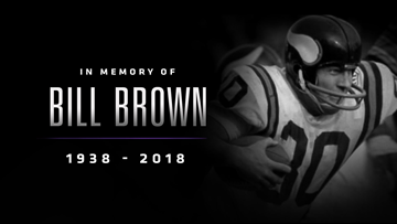 Vikings hold moment of silence to remember Bill Brown