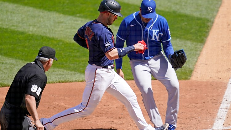 Rookie Larnach homers, Twins hang on to beat Royals 6-5