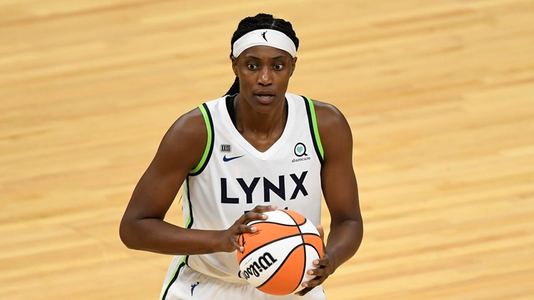 Fowles leads Lynx past Fever, secure bye in playoffs