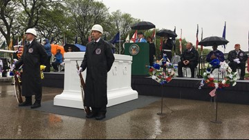 Rain can't stop Fort Snelling observance