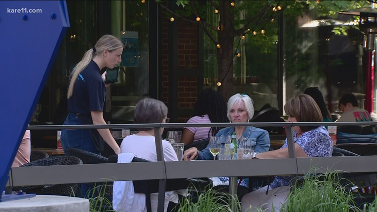 Metro area restaurants offering thousands in sign-on bonuses to recruit workers
