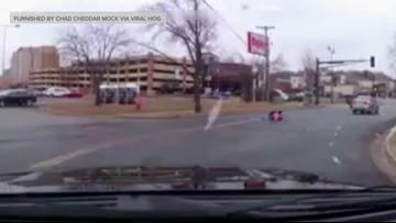 Charges filed after toddler tumbles out of car in Mankato