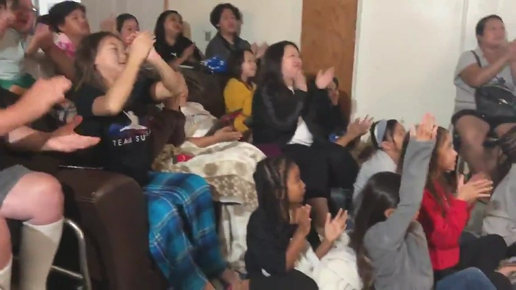 RAW: Suni Lee's family reacts to third medal win in Tokyo Olympics