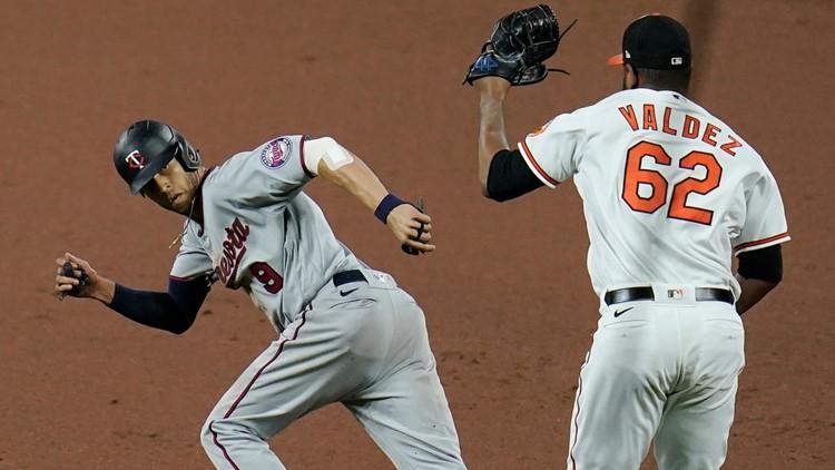 Orioles end 14-game skid, Mullins keys 7-4 win over Twins