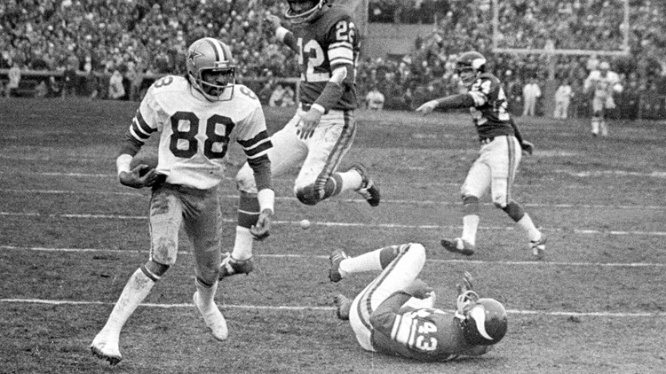 Pearson, Staubach connect again to break Viking hearts with digital Hail Mary project