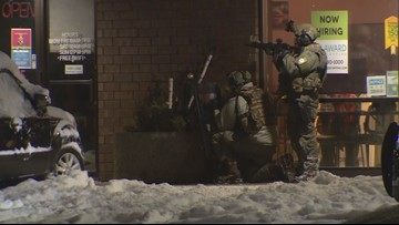 Suspect arrested after standoff near Maplewood Mall