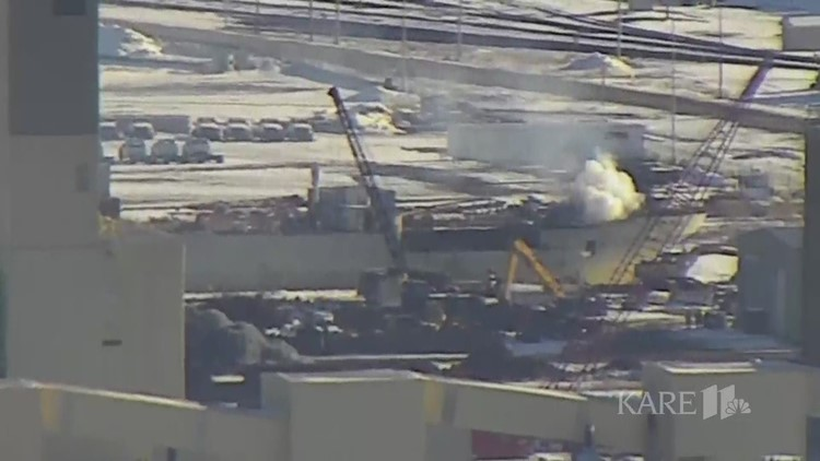 Raw: Fire on decommissioned ship in Duluth harbor