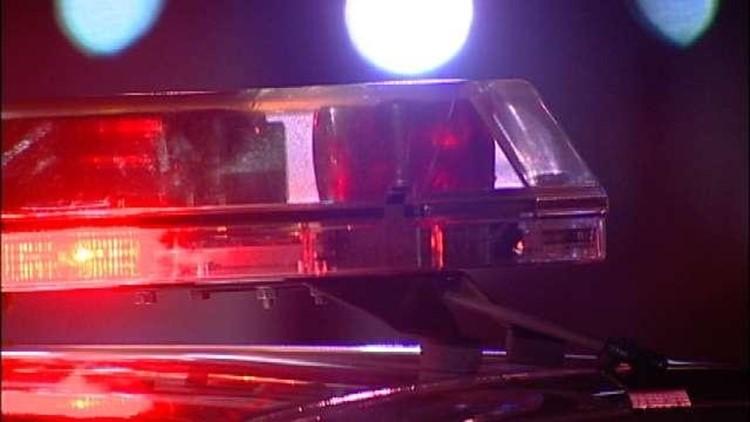 Police: 1 dead, 2 injured in Oak Grove crash