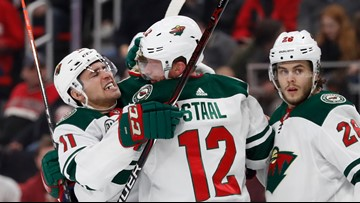 Wild hold off Red Wings for 3-2 victory