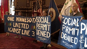 Pipeline opponents press Governor