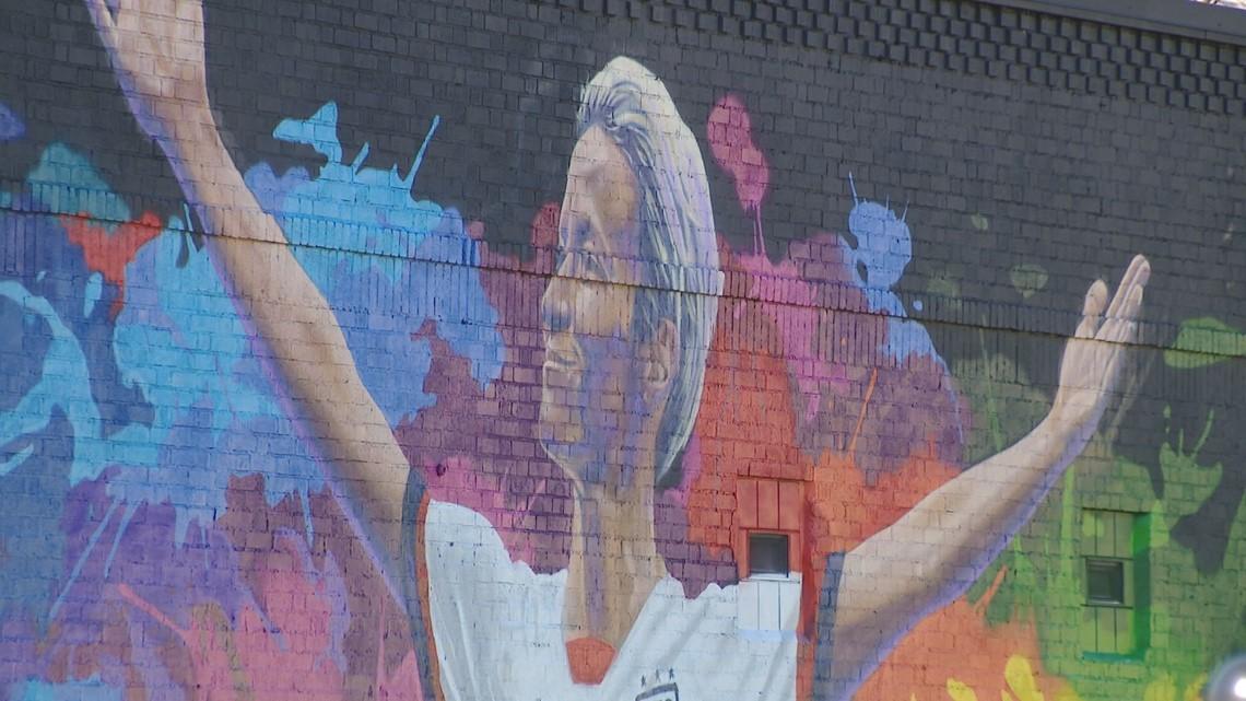 Soccer star Megan Rapinoe visits St. Paul mural created in her likeness