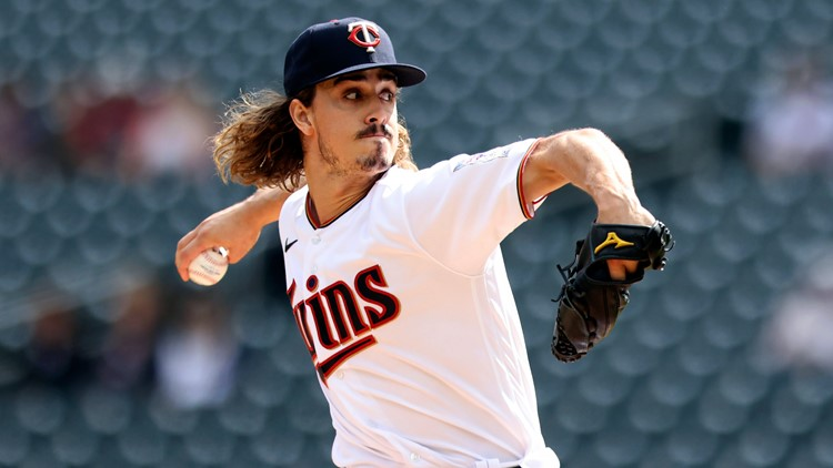 McKenzie, Indians take 1st game of doubleheader vs. Twins