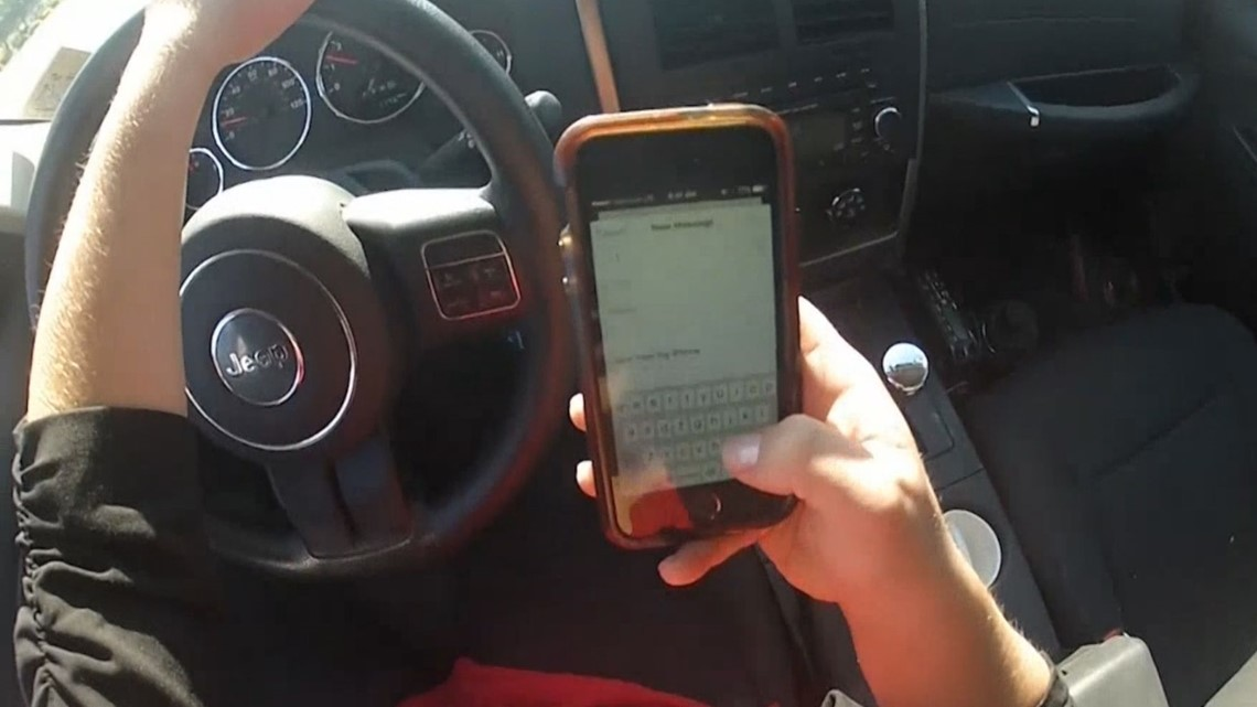 Lawmakers ponder stiffer texting-and-driving fines