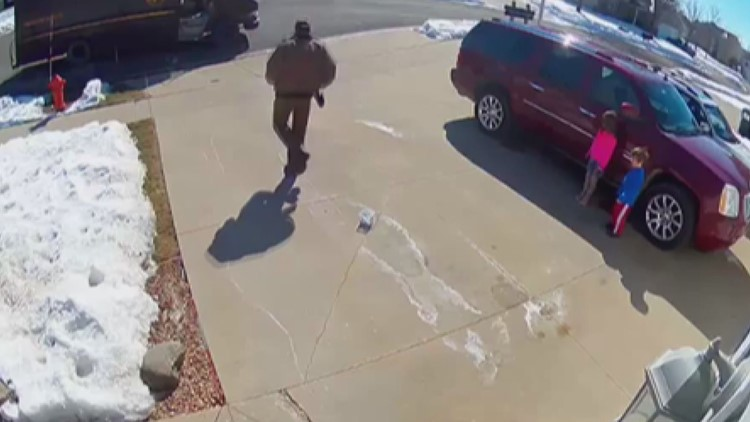 Special delivery: UPS driver plays hopscotch with Rochester kids
