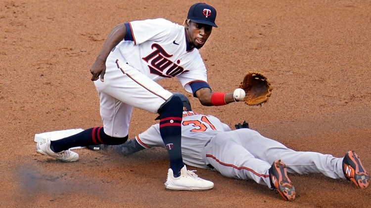 Twins' 6-run rally in 8th beats Orioles 8-3 after delay