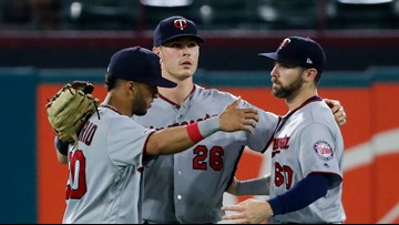 Twins rout Rangers 13-6