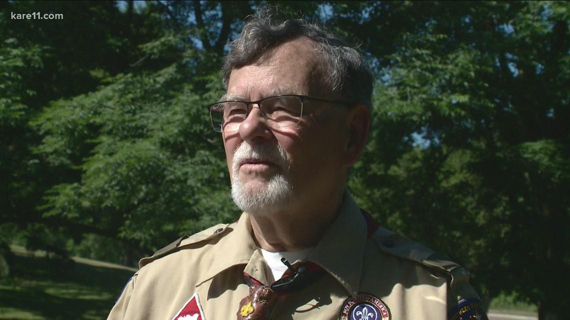 Communities that KARE: Burnsville flag volunteers