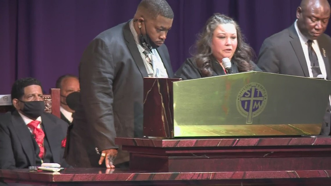 Katie Wright speaks at son Daunte's funeral