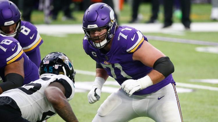 Vikings cut LT Riley Reiff for cap savings of more than $11M