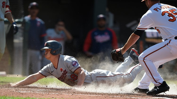 Refsnyder, Twins hand Orioles 14th straight loss, 3-2 in 10