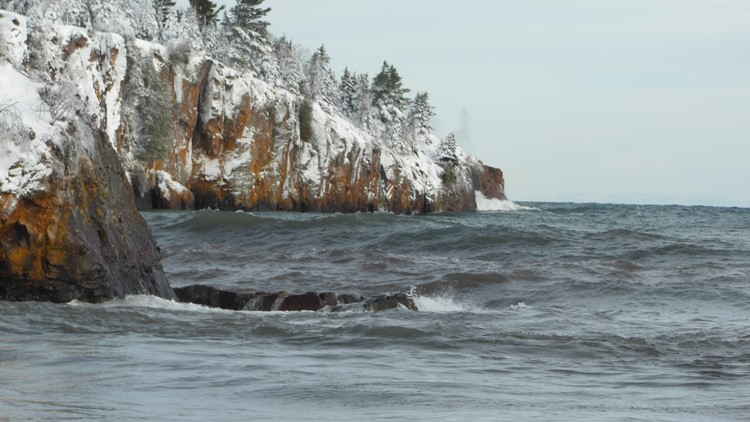 Collapsed sea stack at Tettegouche State Park