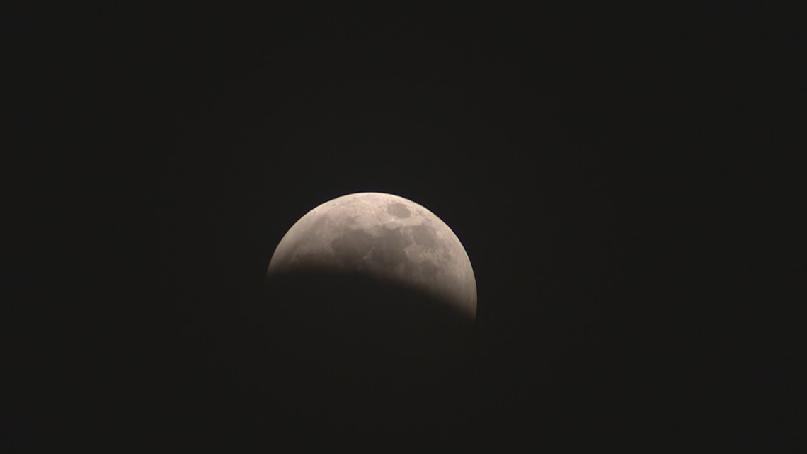 How to check out the beginning of Wednesday morning's lunar eclipse